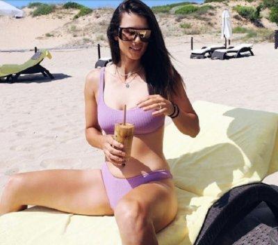 Цвети Пиронкова показа секси тяло на плажа (СНИМКИ)