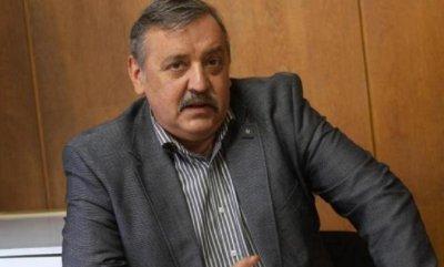 Проф. Кантарджиев: Футболистите не се заразяват на стадиона, а в чалготеките!