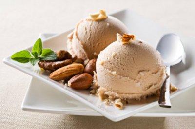 Орехов сладолед