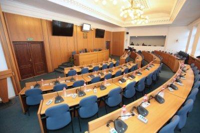 280 лева глоба за отсъствие на общинар от сесия на СОС