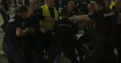 Извънредно от протеста: Полицията викна подкрепление, дойдоха 8 коли на жандармерията