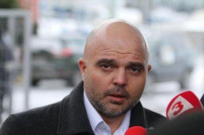 Главсекът на МВР: Платени лумпени от футболните агитки пуснаха кръв в София