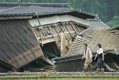 Най-малко 55 загинали в наводненията в Япония