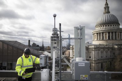 Великобритания изхвърля Huawei от 5G мрежата на страната