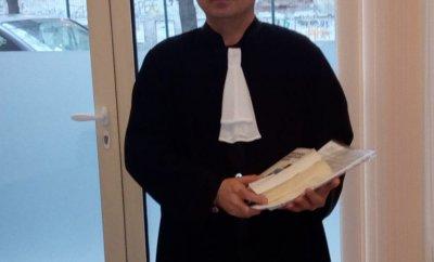 Адвокатите без тога в съда