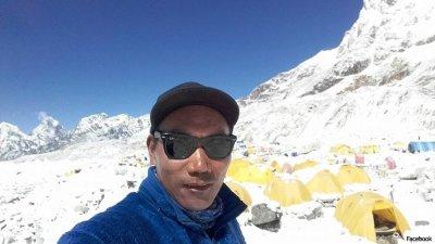 """Шерпът Ками Рита изкачи """"Еверест"""" за 24-и път"""