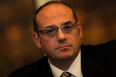 Конституционният съдия Атанас Семов с нещо като тълкувание, нещо като заплаха