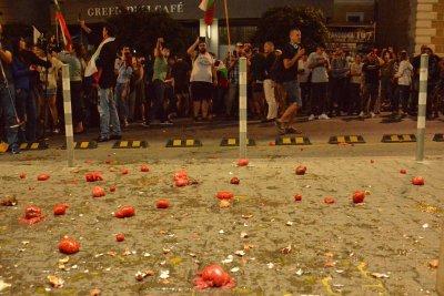 СДС гневно: Протестиращите поругаха сграда - символ на демокрацията