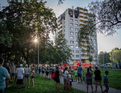 Поне 11 трупа, сред тях 3 деца, при адски огън в Чехия