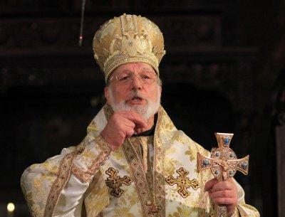 Коронавирусът налази митрополит Амвросий и иконома му