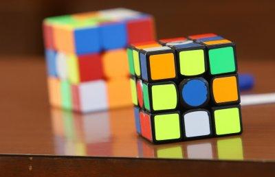 Нов рекорд за редене на кубче на Рубик