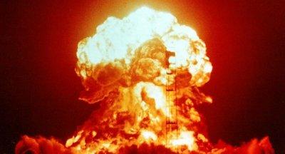 Експлозии разтърсиха и Северна Корея, 15 души са загинали