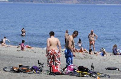Аларма: Адско мъртво вълнение, не влизайте в морето
