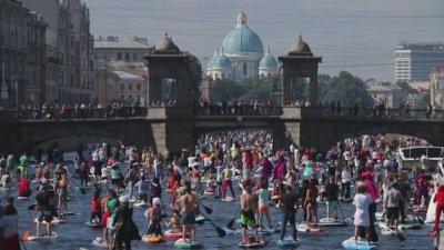 Сърф по каналите на Санкт Петербург
