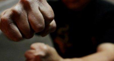Пребиха жестоко 17-годишен тийнейджър в Разград