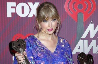 Осмият албум на Тейлър Суифт чупи рекорди