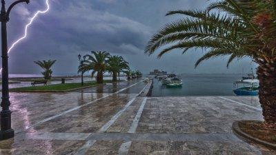 Две жертви на силна буря в Гърция