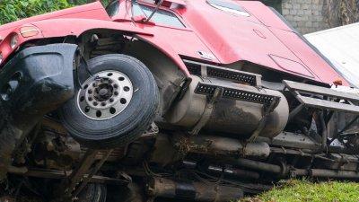 Шофьор загина при катастрофа с камион край Бургас