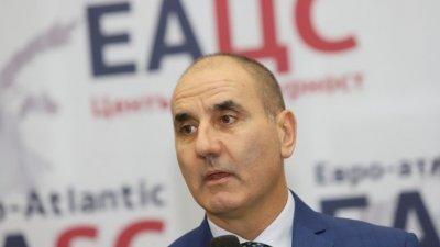 Цветанов пак удря - подходът на Борисов бил антипиарски