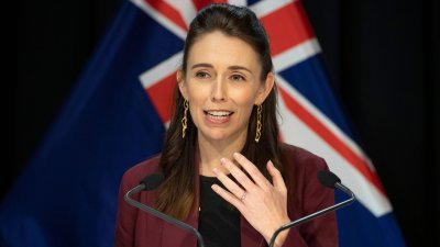 Нова Зеландия с първи случаи на вируса от 102 дни