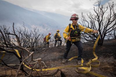 Горският пожар в Калифорния се разраства