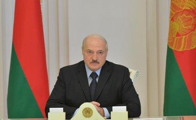 Лукашенко: Жив съм, не съм избягал
