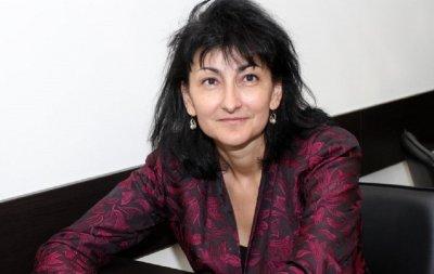 Ваня Добрева пита: Ще има ли нова US база в България?