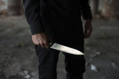 Рецидивист намушка с нож управител на шивашка фирма