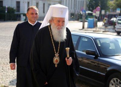Патриарх Неофит: Разум за младите по площадите
