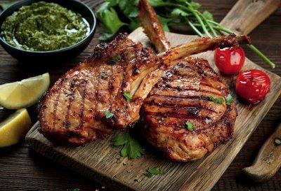 Любителите на месото живеят по-дълго от вегетарианците