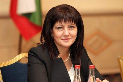Цвета Караянчева: Ще вложим над 17 млн. лв. в пътя Кърджали-Мост-Манастир