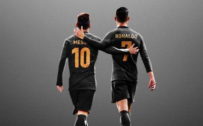 """Футболът в екстаз: Роналдо се събира с Меси в """"Барселона""""?"""