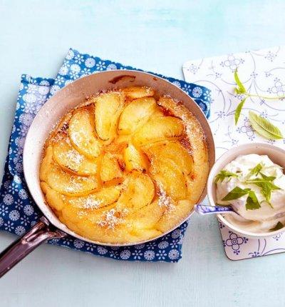 Мускатовa палачинка с ябълки на фурна
