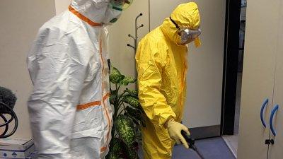 Внимание, нова схема: Крадци обират домове, маскирани със защитни костюми ала РЗИ