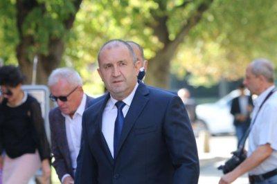 Радев към Каракачанов: Диалог с премиера - само след истината за шкафчето