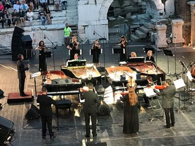 Бах и Моцарт на 4 рояла зарадваха България