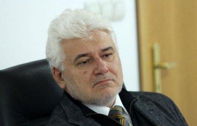 Бившият съдия от КС Пламен Киров: Този парламент удари дъното