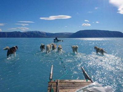 ПОТОП: Морето се показва с 40 см, вечният лед се топи