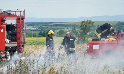 9 часа гасят голям пожар в село Церово