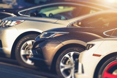 Кризата удари и евтините коли