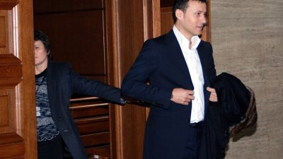 Проверяват съдиите, ловували в стопанство на Миню Стайков