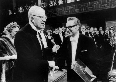 Почина Нобелов лауреат по физика