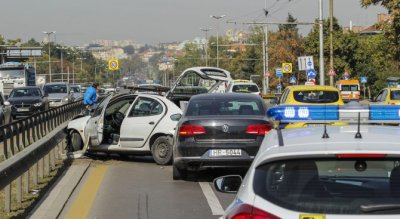 "Верижна катастрофа задръсти ""Цариградско шосе"""