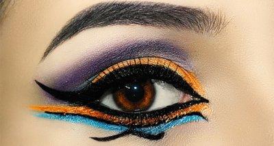 Новият хит в грима: Цветна очна линия