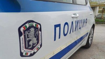 Млад мъж открит наръган с нож в Ботевград