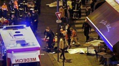 """18-годишен е арестуван за нападението близо до редакцията на в. """"Шарли ебдо"""""""