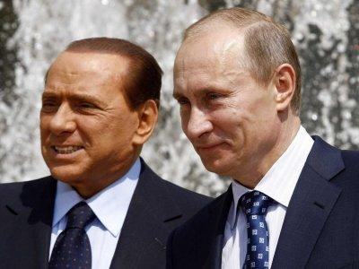 Путин поздрави рожденика Берлускони