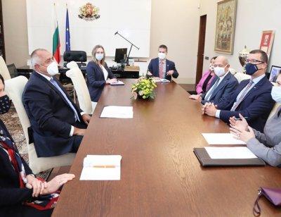 Премиерът се срещна с производителите на новите ни изтребители