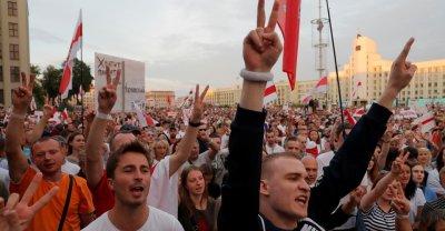 100 000 на бунт срещу Лукашенко