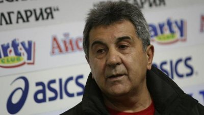 Богдан Николов си тръгва след 26 години ръководене на мотоспорта